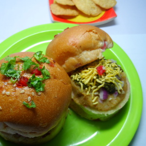 Burger Bun Chaat Recipe