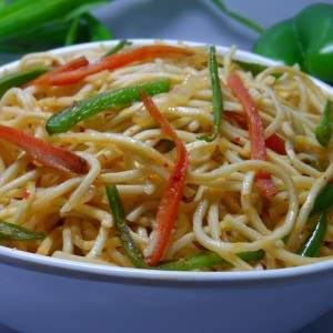 garlic chilli hakka noodles